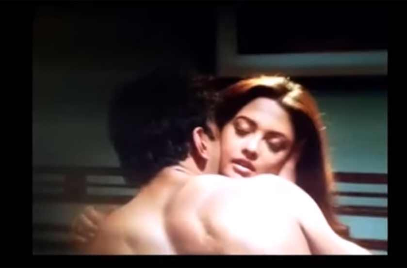 Riya Sen's steamy love scene with Nishant Malkani from Ragini MMS Returns goes viral