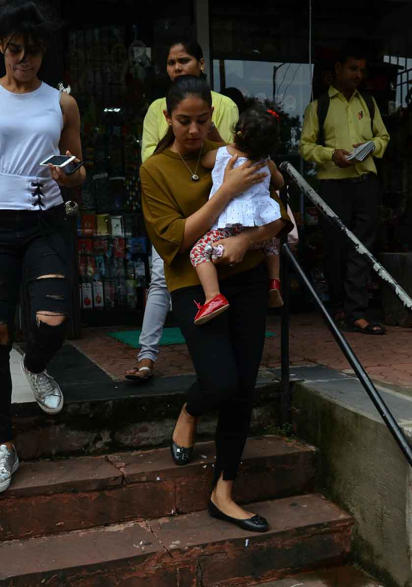 Misha Kapoor looks adorable as she gets clicked with mom Mira Kapoor, View Pics