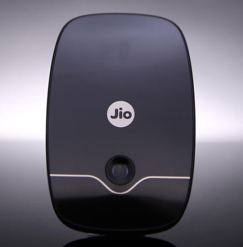 Reliance Jio 4G VoLTE Wi-Fi dongle JioFi is available at a special price