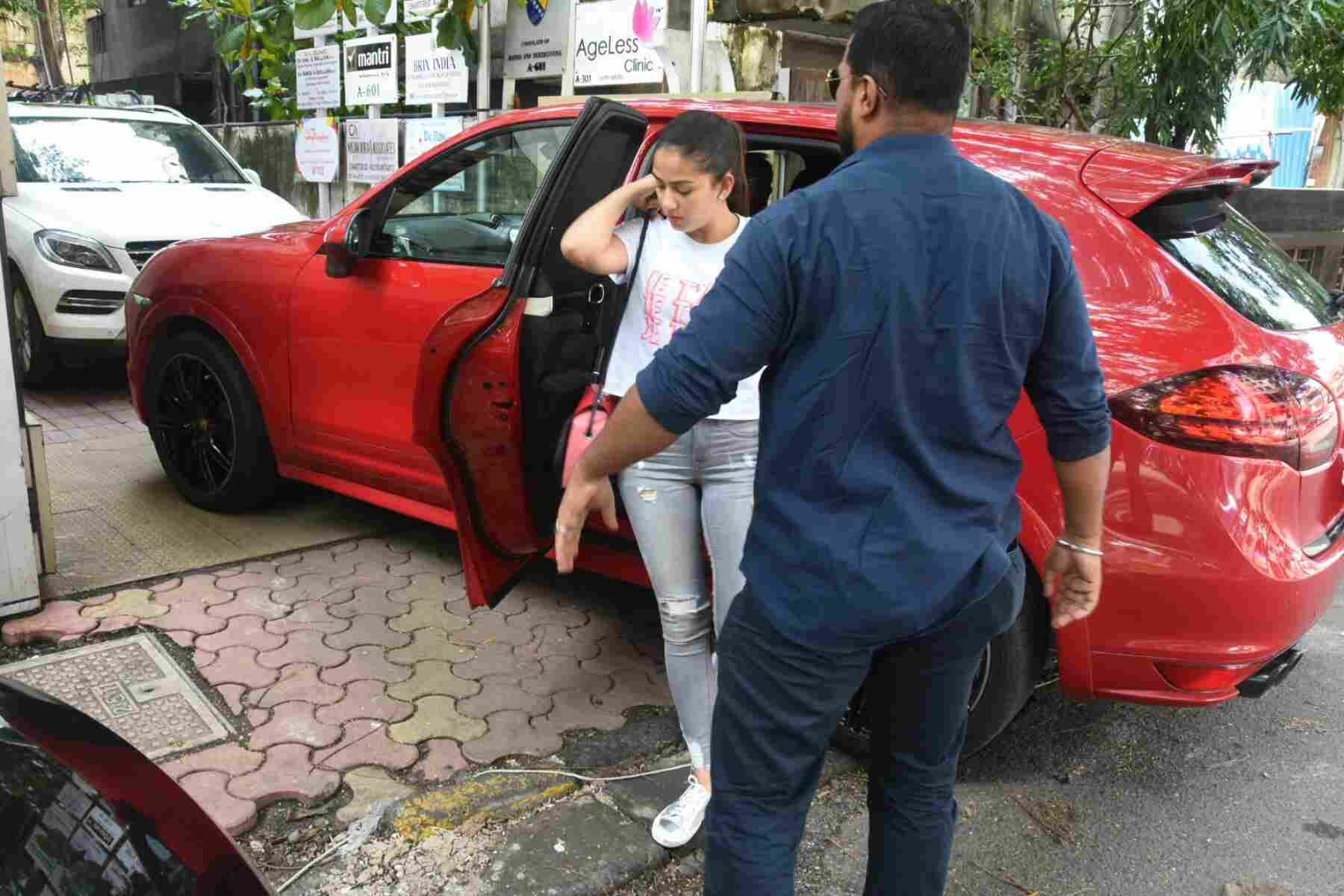 See the latest pictures of Shahid Kapoor's wife Mira Rajput
