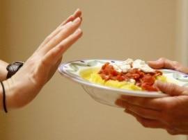क्या आप भी अक्सर छोड़ देते हैं खाना, तो कर रहे हैं सेहत से खिलवाड़
