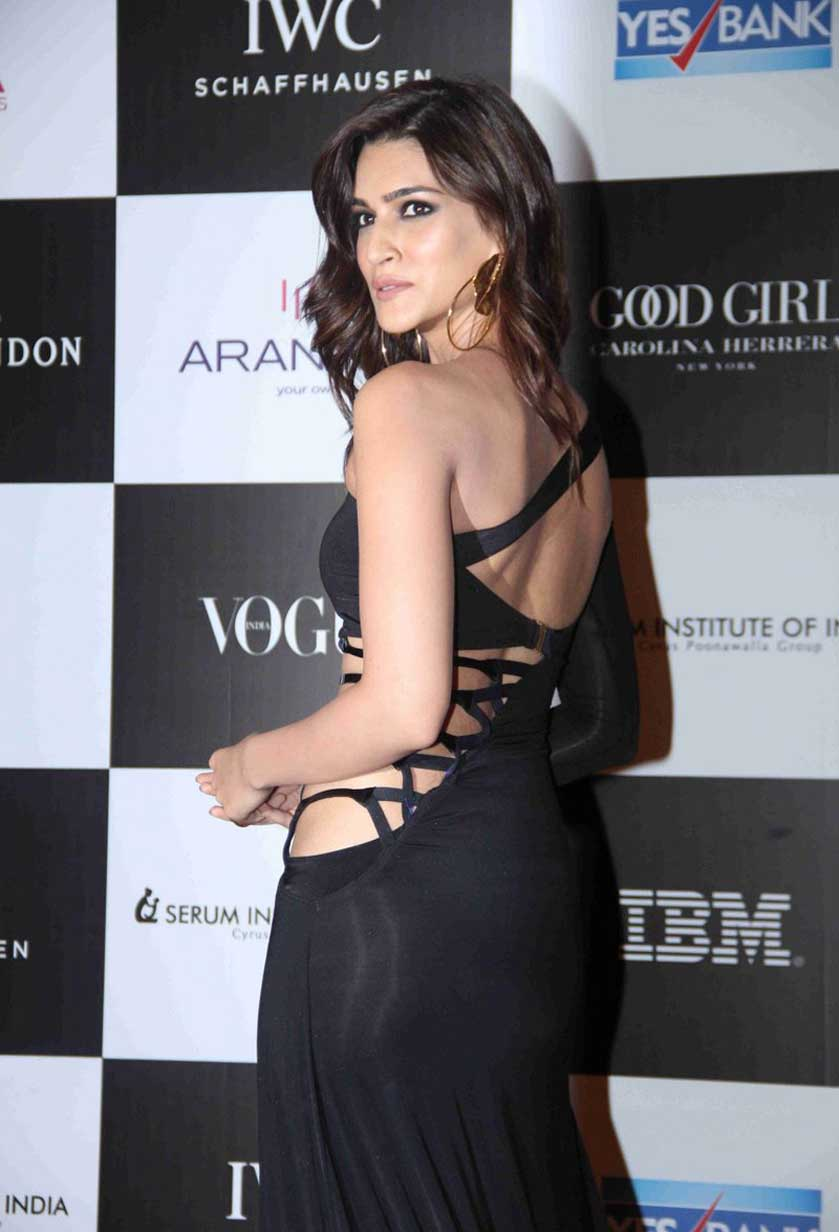 We Can't Take Our Eyes Off Kriti Sanon's Revealing Gown, View Pics