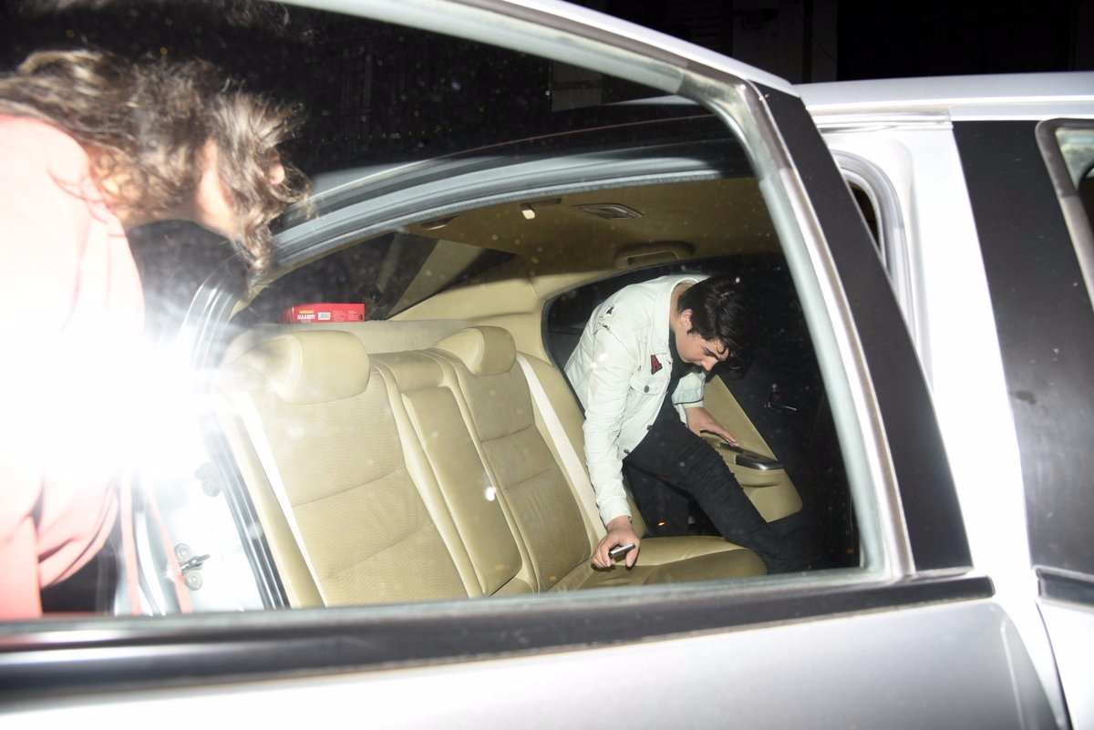 Aarav Bhatia snapped post partying with friends at the Korner House, bandra