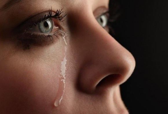Scientists find way to produce electricity from tears