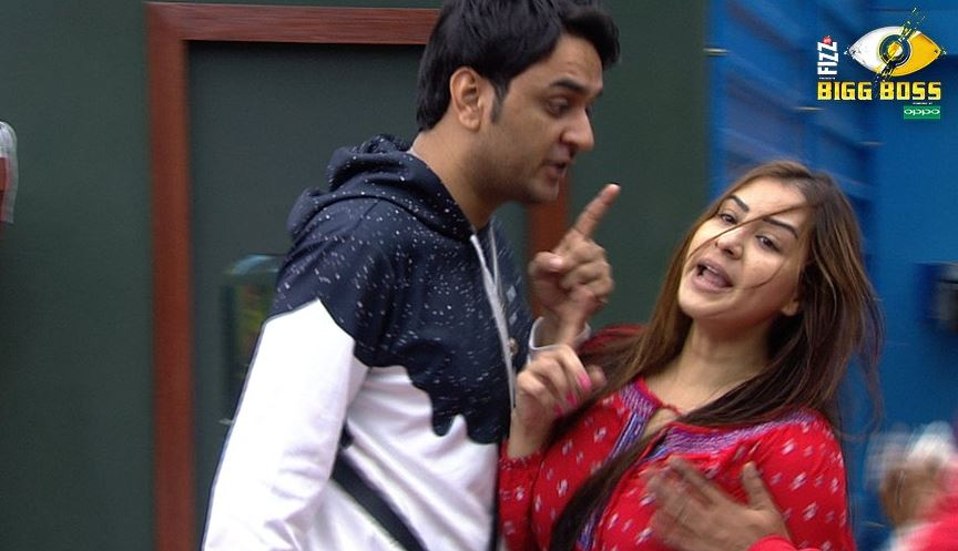 Bigg Boss 11 : Shilpa shinde and vikas gupta's fight reaches to next level