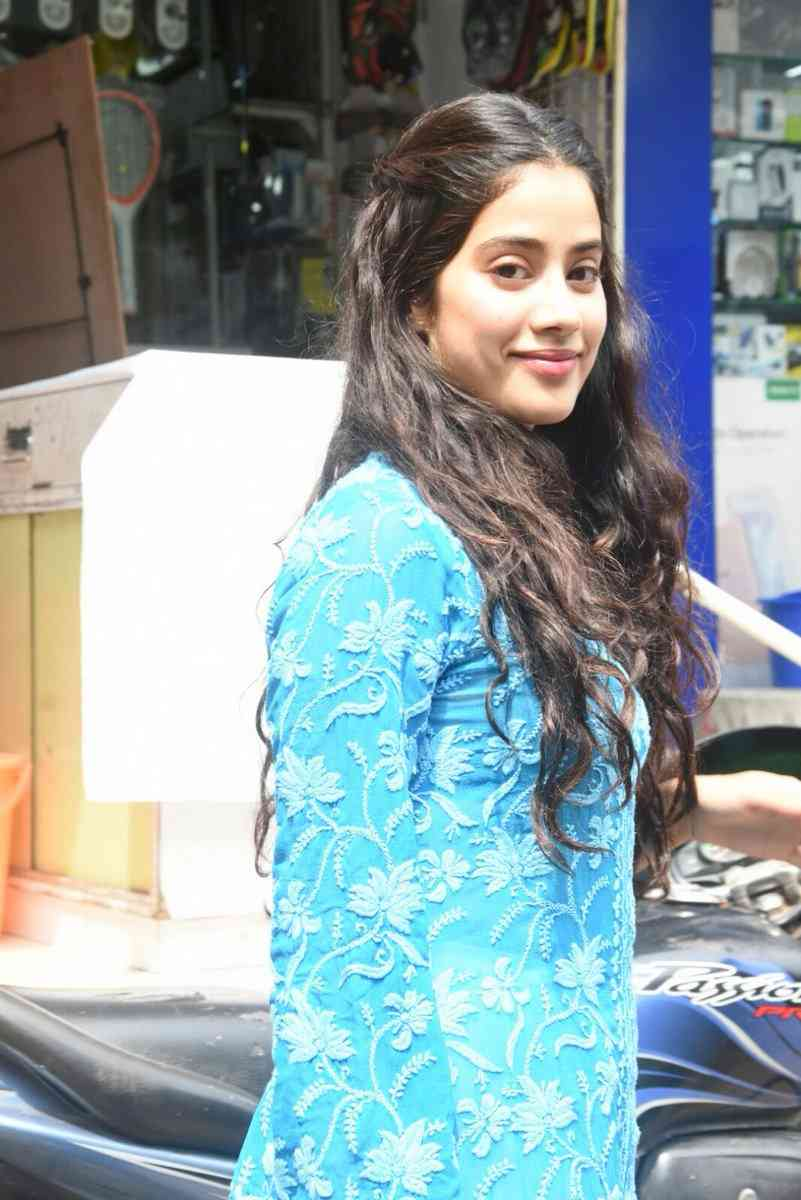See the latest pictures of Jahnavi Kapoor