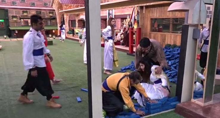 Bigg Boss 11: Hina Khan injured in house for the 2nd time
