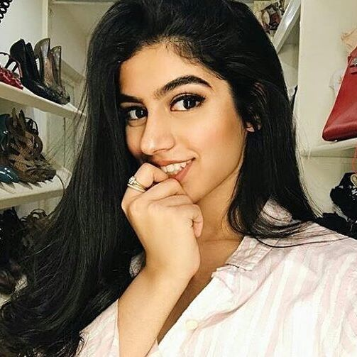 See the latest Viral Bikini pictures of Sridevi's younger daughter Khushi Kapoor