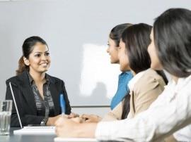 विदेश में नौकरी का लालच छोड़ रहे हैं भारतीय, घर में तलाश रहे हैं रोजगार