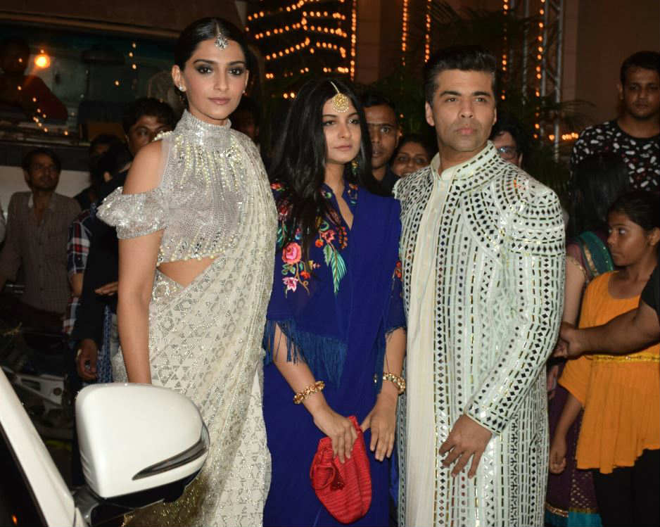 Akshay kumar, Alia Bhatt, Sonam Kapoor and many celebs attend Ekta Kapoor's Grand Diwali Party