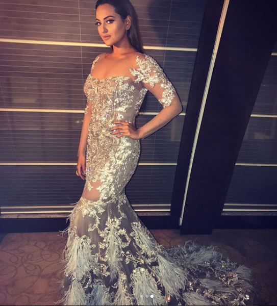 Sonakshi Sinha looks pretty in white gown, see pics