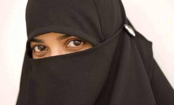 মার্কিন যুক্তরাষ্ট্র: হিজাব ছিঁড়ে 'জঙ্গি' বলে কটাক্ষ মুসলিম কিশোরীকে