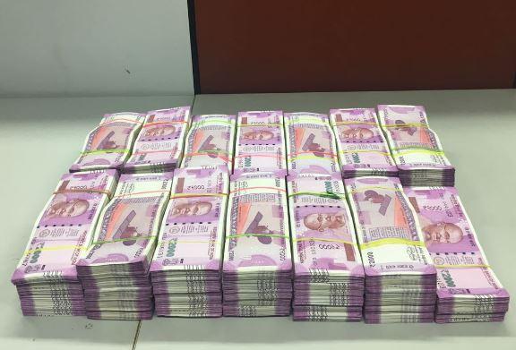 ভারতের সঙ্গে কালো টাকা সংক্রান্ত তথ্য বিনিময়ে রাজি সুইজারল্যান্ড