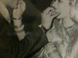 মা বাবার বিবাহবার্ষিকী, ইনস্টাগ্রামে পুরনো ছবি পোস্ট করলেন প্রিয়ঙ্কা চোপড়া