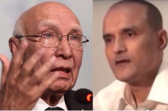 কুলভূষণ যাদব: আইসিজে-তে ধাক্কা খেয়ে নতুন আইনজীবী টিম পাঠাচ্ছে পাকিস্তান