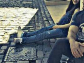 লন্ডনের রাস্তায় স্বামীর সঙ্গে রিল্যাক্স করছেন বলিউডের অন্তঃসত্ত্বা এই অভিনেত্রী, দেখুন