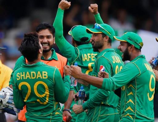 ভারতকে ১৮০ রানে হারিয়ে চ্যাম্পিয়ন্স ট্রফি জিতল পাকিস্তান