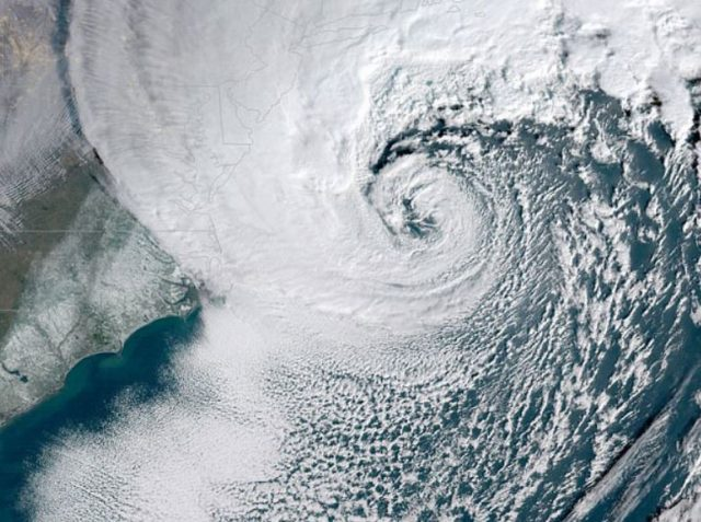 6-Brutal-cold-spell-grips-US-east-coast-after-bomb-cyclone-hits