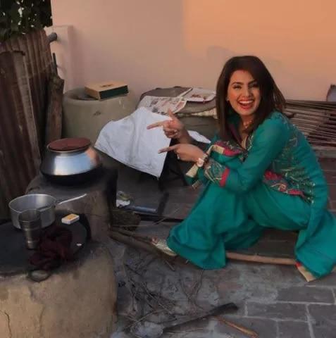 1-Geeta-Basra-Harbhajan-Singh-in-Village