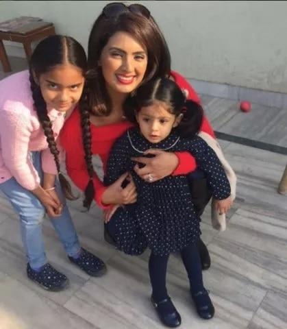5-Geeta-Basra-Harbhajan-Singh-in-Village