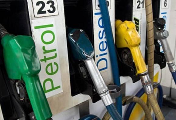 रविवारी पेट्रोल पंप बंद ठेवण्यास मोदी सरकारचा विरोध