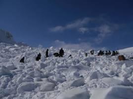 सियाचीनमध्ये चमत्कार, हिमस्खलनात गाडलेल्या 10 जवानांपैकी एक जवान जिवंत
