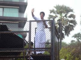 'मन्नत'च्या अटी शर्थींचे उल्लंघन, शाहरुखला दंड होण्याची चिन्हं