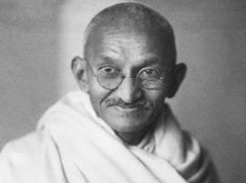 महात्मा गांधींचा वापर कोणासाठी कसा?