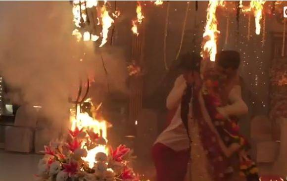 Fire on the sets of Beyhadh, Kushal Tandon saves Jennifer Winget's life