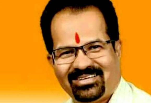 Shivsena mayor candidate vishwanath mahadeshwar now in trouble