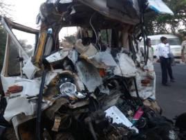 पुणे-सोलापूर महामार्गावर भीषण अपघात, मुंबईतील 11 जणांचा मृत्यू