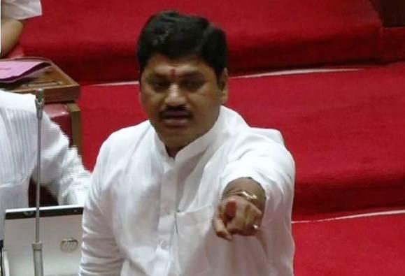 महाराष्ट्रातील भाजपला काय झालंय?: धनंजय मुंडे