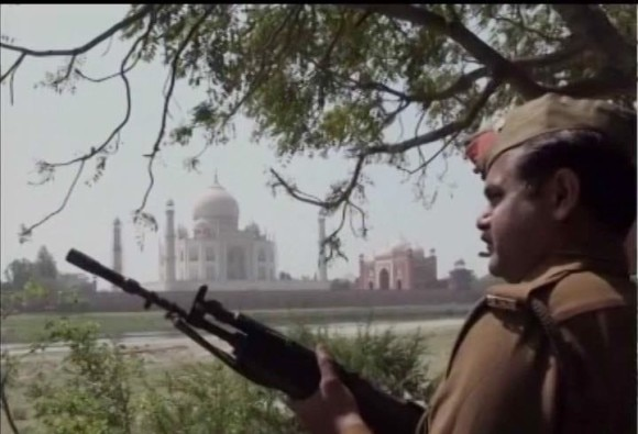 isis give threat to blast in taj mahal