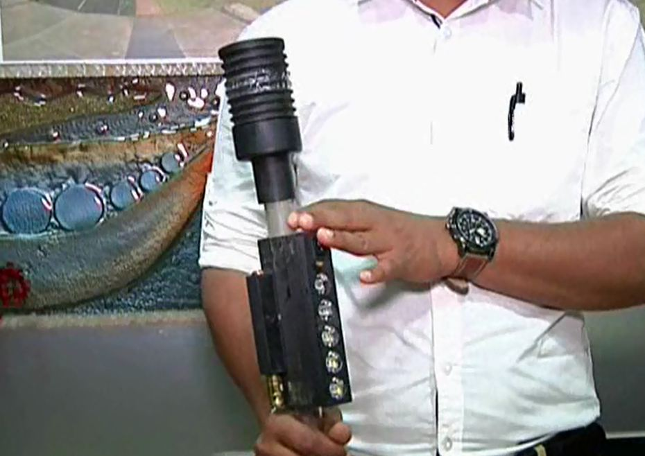 high tech stick for police by engineer chetan nanda
