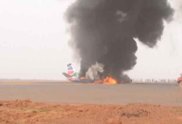 दक्षिण सुदानमध्ये लँडिंगवेळी विमानात आग, 49 जण थोडक्यात बचावले!