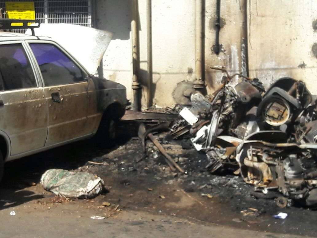 two wheelers and four wheelers burnt in pune