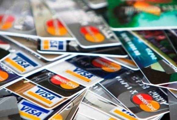 Two Nigerians detained by hackers on fake debit and credit card
