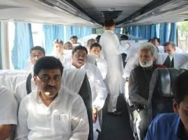 एसी बसमधून संघर्षयात्रा, विरोधी पक्ष चंद्रपुरात दाखल