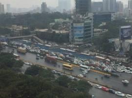 मुंबईतील मालाडमध्ये गॅस पाईपलाईन लीक, वाहतूक विस्कळीत