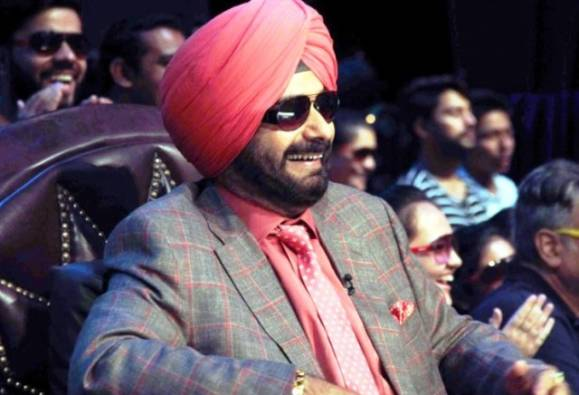 Navjot Singh Sidhu in controversy for cracking offensive and vulgar jokes in Tha kapil sharma show