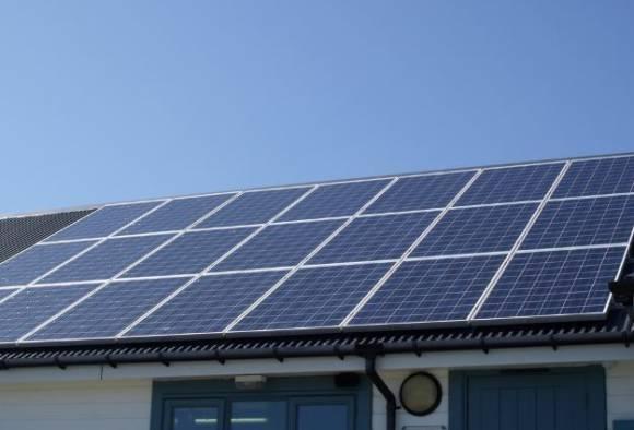 मुंबईच्या एकूण गरजेपैकी निम्मी वीजनिर्मिती सौर ऊर्जेद्वारे शक्य