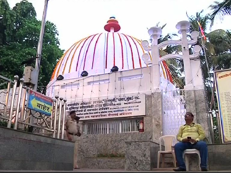 Nagpur : Followers gather to pay to tribute to Dr. Babasaheb Ambedkar