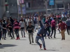 काश्मीरमध्ये दंगे भडकवण्यासाठी तब्बल 300 व्हॉट्सअॅप ग्रुप
