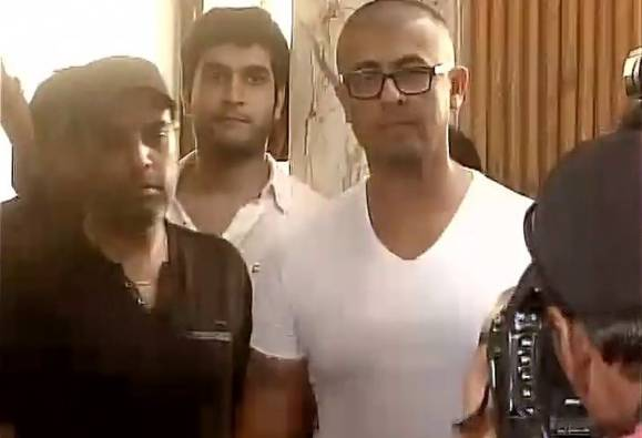 Sonu Nigam Shaves Off His Head, Challenges Maulvi's Fatwa latest updates