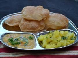 शेतकऱ्यांसाठी एक रुपयात जेवण...!