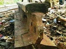 सीएसटीजवळ रेल्वे रुळावर लोखंडी रॉड, घातपाताचा डाव उधळला