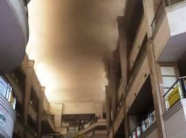 मुंबईतील पवई प्लाझामधील आग आटोक्यात