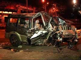 मुंबईत कार-ट्रकचा भीषण अपघात, 9 जण गंभीर