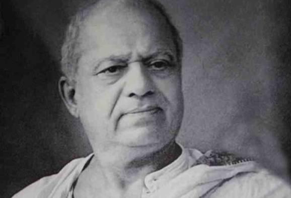 सिनेमागृहात राष्ट्रगीताआधी फाळकेंवरील लघुपट : विनोद तावडे