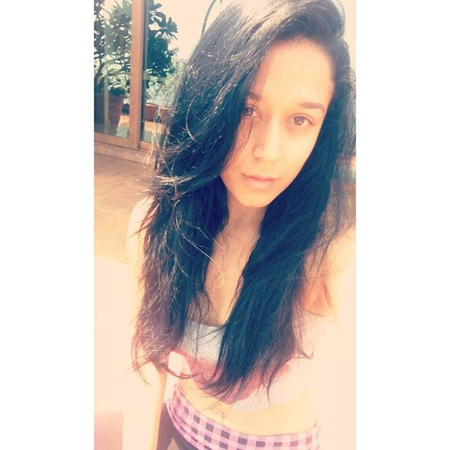 latest-pictures-of-krishna shroff-posted-on-instagram